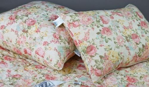 Подушки и одеяло Холфит