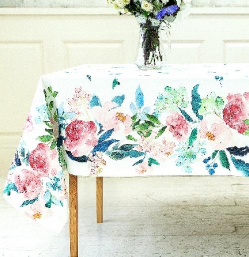 Дизайнерская скатерть на стол Розовая акварель