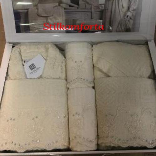 Халаты в наборе, полотенца, папочки, аксессуары Матр 25 предметов