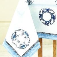 Дизайнерская скатерть на стол Голубой сервиз