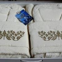 Набор халатов для ванной Маркат скидка