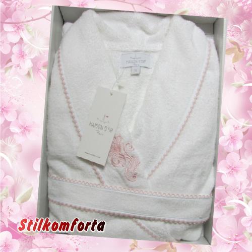 Бамбуковый женский халат с кружевом и вышивкой Гларин
