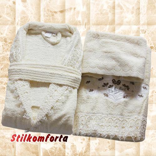 Махровый халат с вышивкой и полотенца Жизелия